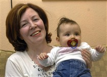 Annegret Raunigk já fizera notícia aos 55 anos, quando teve a sua filha mais nova, por voltar a ser mãe em idade avançada.