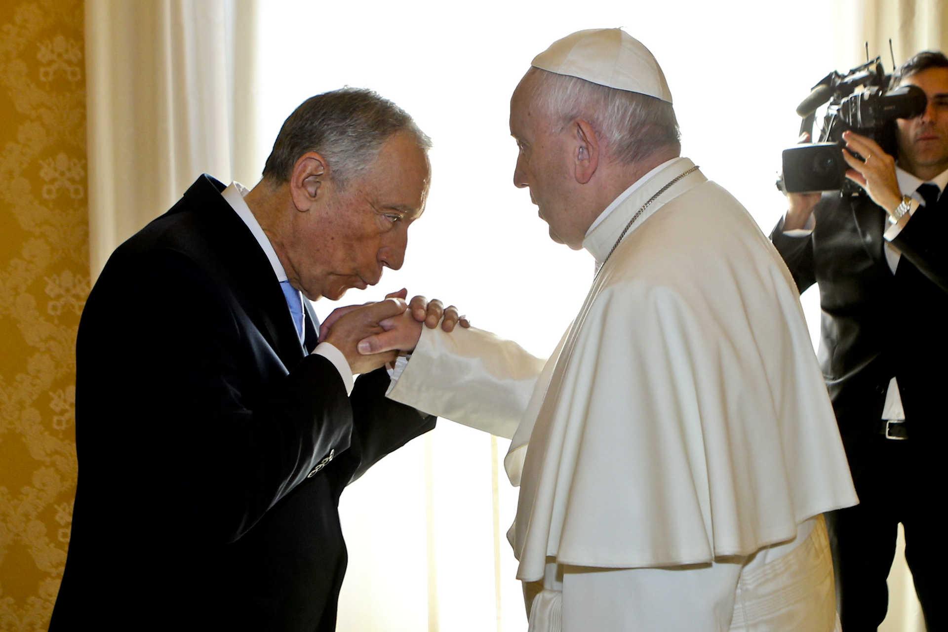 Marcelo já trocou presentes com o Papa Francisco