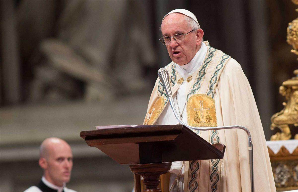 Resultado de imagem para Polícia do Vaticano interrompe festa com orgia gay e drogas na casa de secretário de assessor do papa
