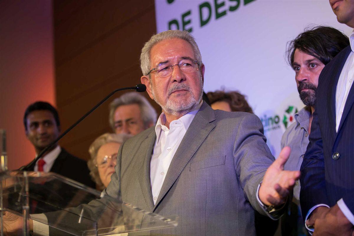 """Resultado de imagem para El País escreve sobre Isaltino, """"o presidente corrupto que os portugueses adoram"""""""