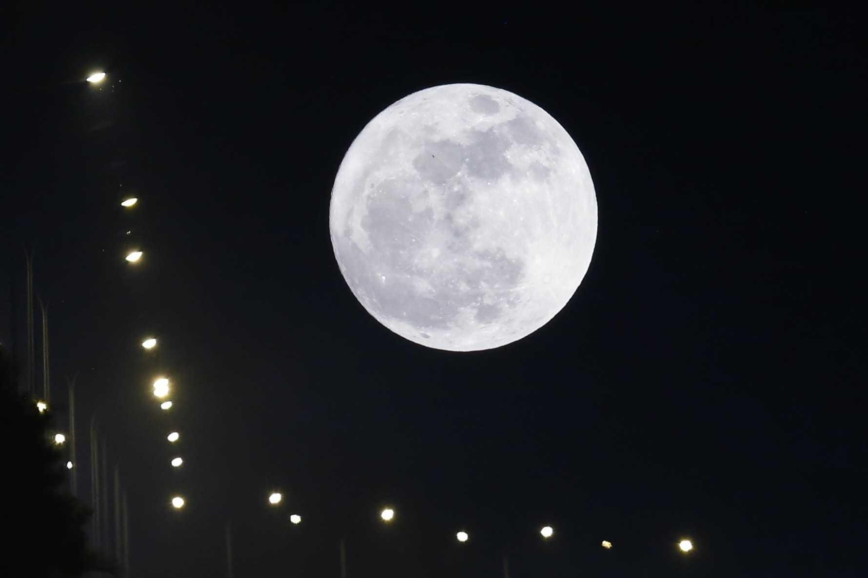117790d08 Super Lua, Lua Azul e um eclipse. Fenómenos lunares marcam início do ano