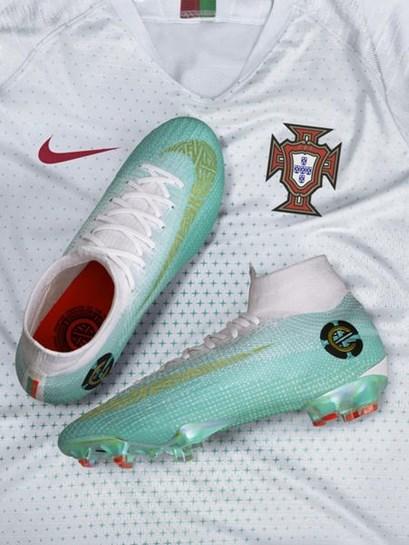 091f22d86308b 154 botas em honra dos 154 jogos de Cristiano Ronaldo