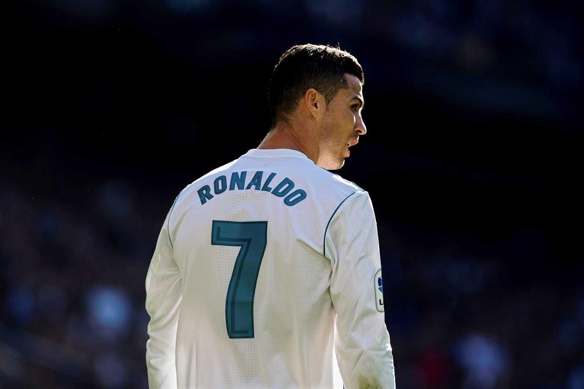 32718557e Cristiano Ronaldo  crónica de uma transferência anunciada