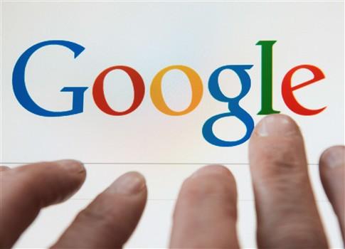 Foto: Num dia, 12 mil pessoas pediram para ser esquecidas no Google O Google recebeu 12 mil pedidos de pessoas que querem ser 'esquecidas', ou seja, retiradas das pesquisas na internet, no primeiro dia em que o serviço foi oferecido pelo motor de buscas, divulgou, este sábado, um porta-voz da empresa na Alemanha. http://go.pwm.pt/1om2aVh