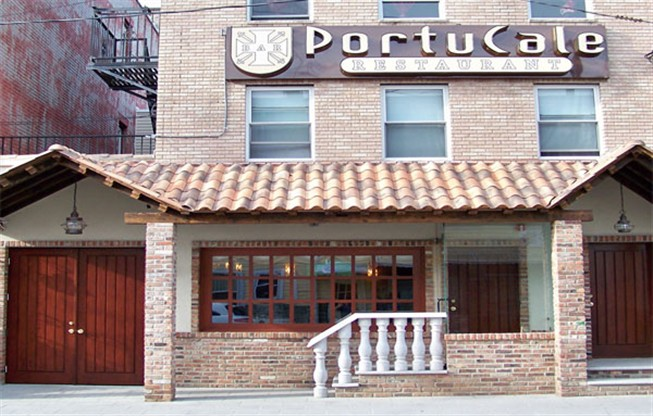 Restaurante portugu�s Portucale, no bairro do Ironbound, Newark