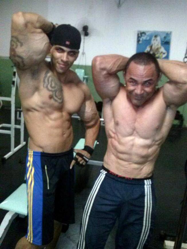 non steroid vs steroid hormones