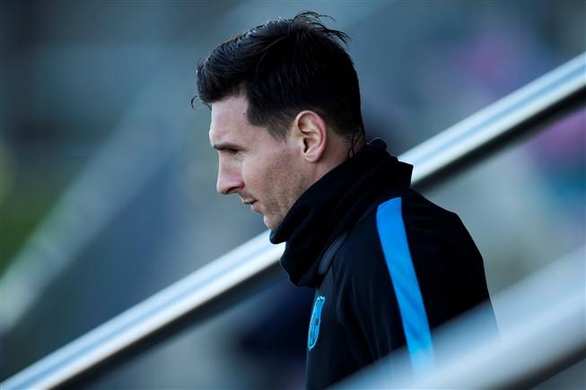 Messi vai a julgamento por três crimes de fraude fiscal
