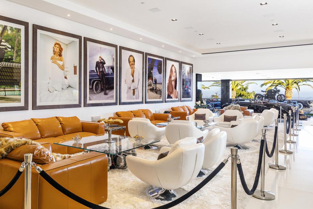 0eebed8958d A casa mais cara dos EUA inclui carros de luxo e helicóptero