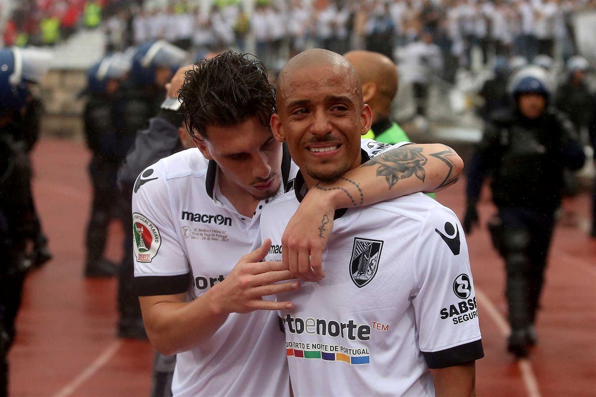 Bruno Gaspar troca V. Guimarães pela Fiorentina e002ffab83250