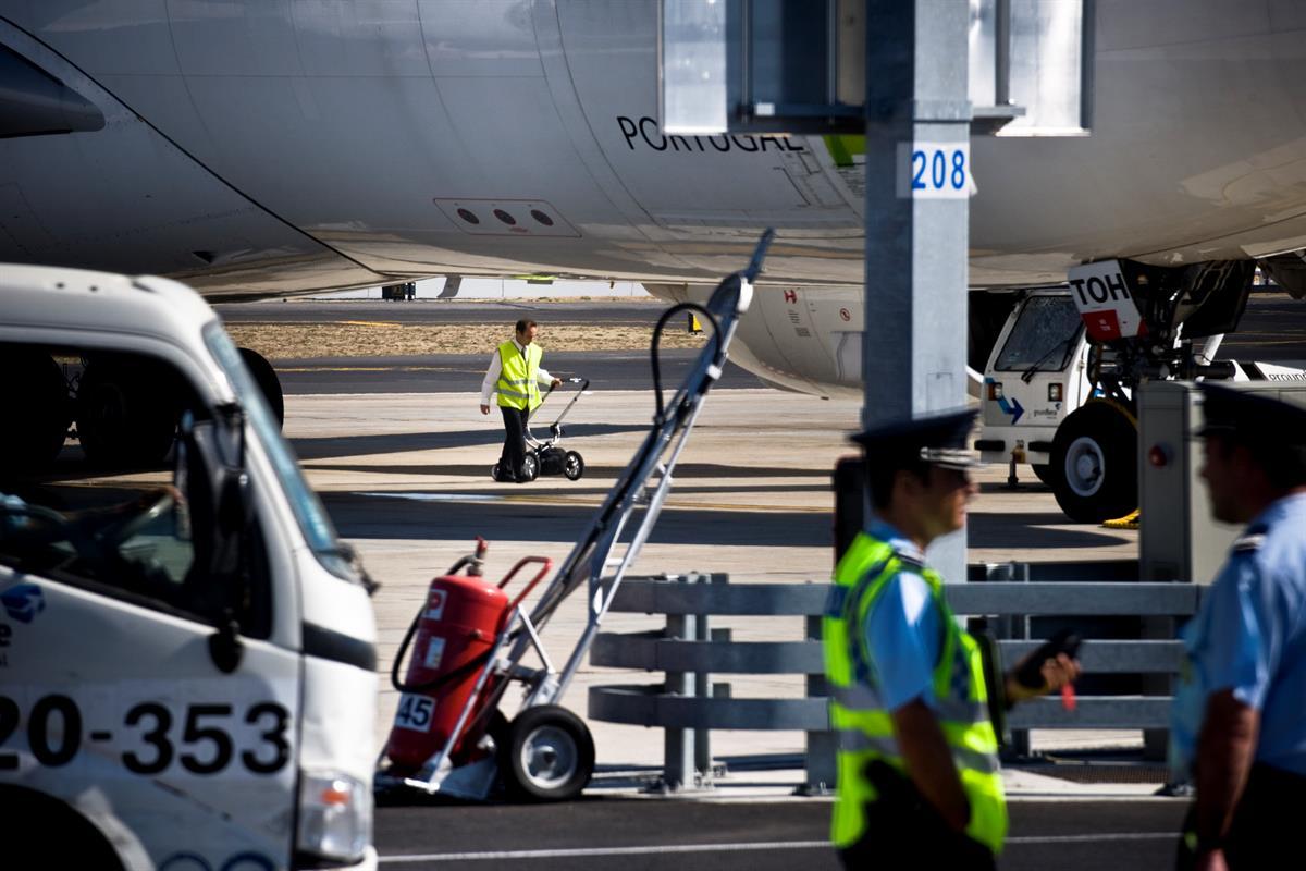 sef portas de benfica mapa Trabalhadores do aeroporto de Lisboa pedem reforços para evitar  sef portas de benfica mapa