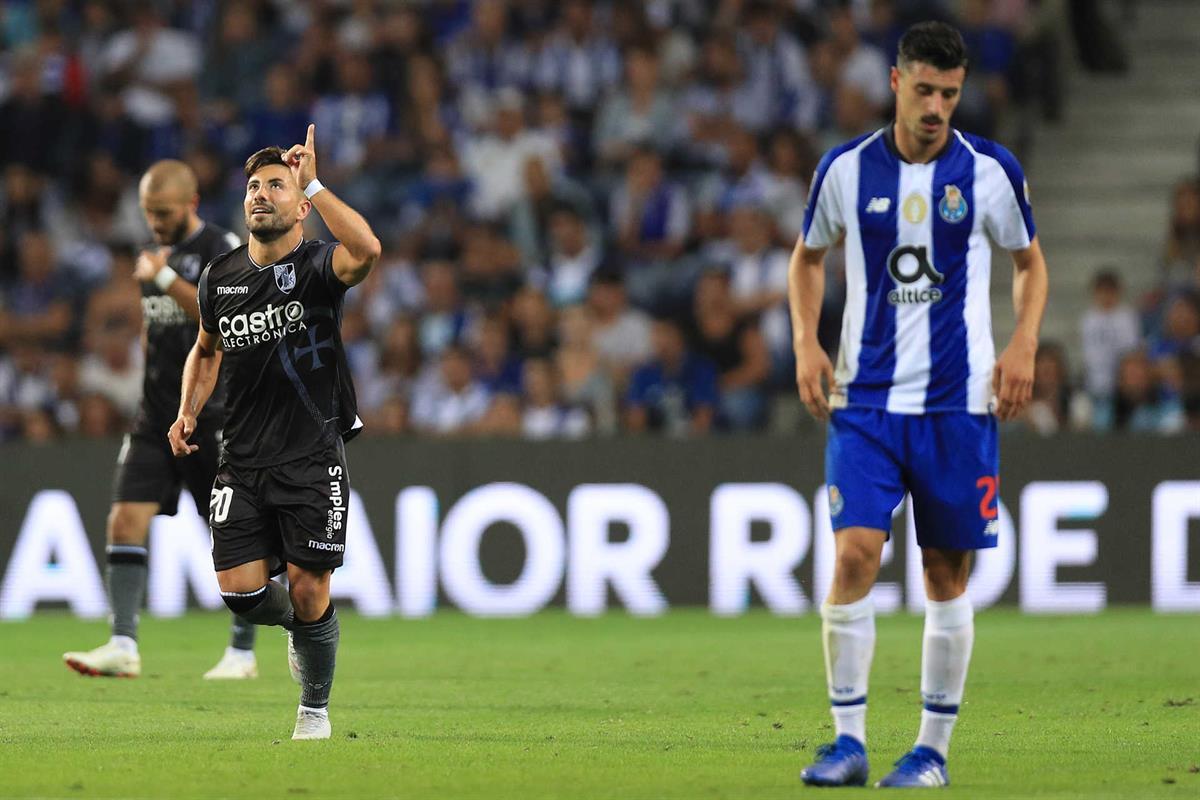 22e33324d4 Vitória de Guimarães dá a volta ao marcador e vence F. C. Porto
