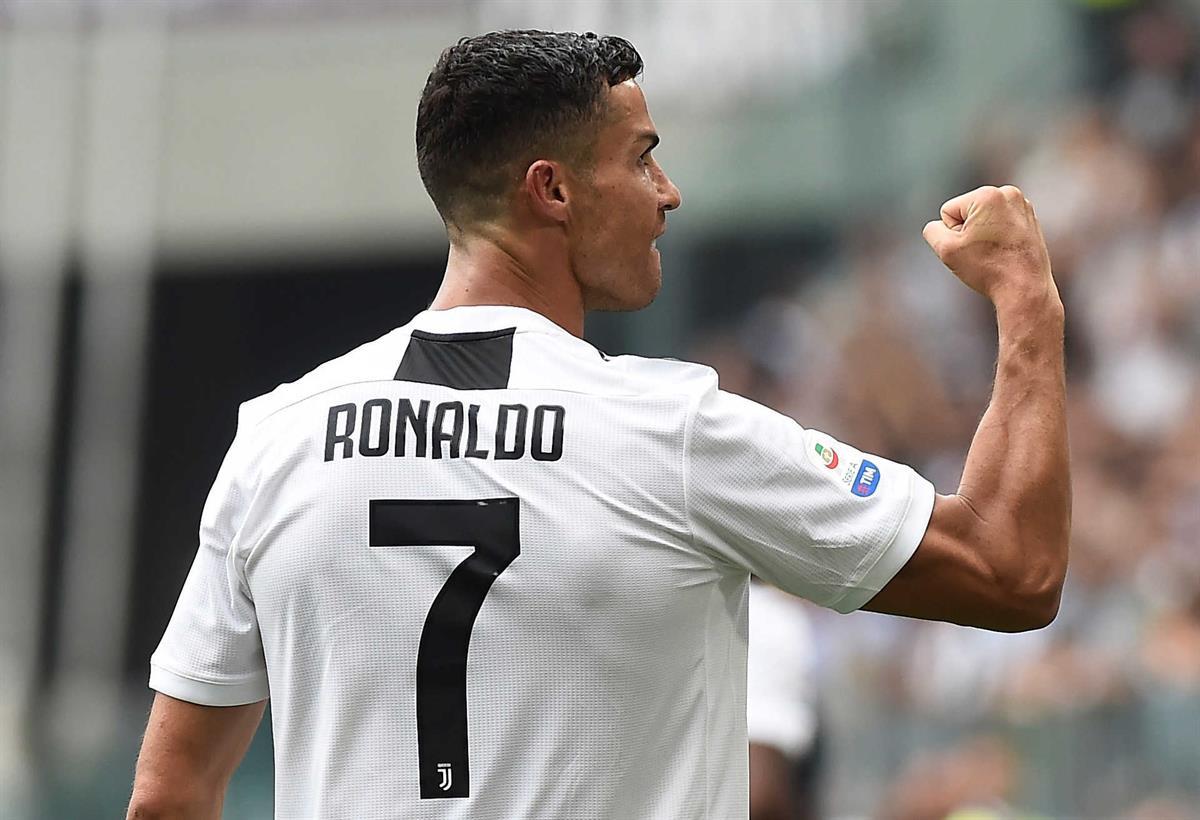 Cristiano Ronaldo quebra jejum e marca dois golos pela Juventus 9bc3079f797ad