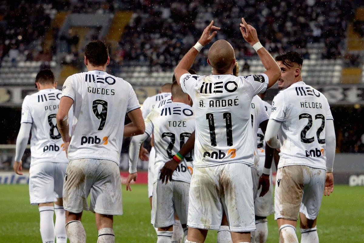 87697594b1 Vitória de Guimarães vence União da Madeira
