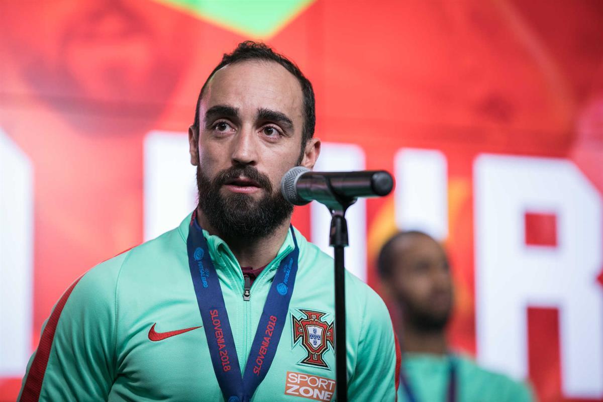 44e21b2f51 Ricardinho eleito o melhor jogador de futsal do mundo
