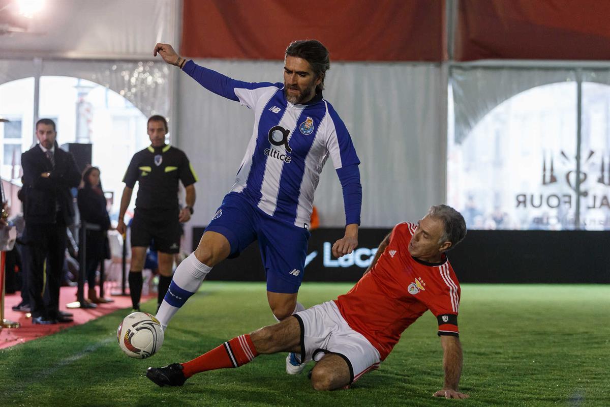 7c72a96446 F. C. Porto goleia Benfica em jogo de antigas estrelas