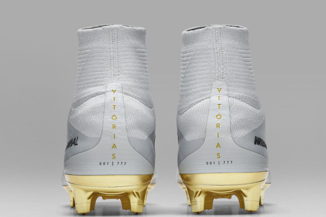Nike lança chuteira em homenagem à 4ª Bola de Ouro de CR7