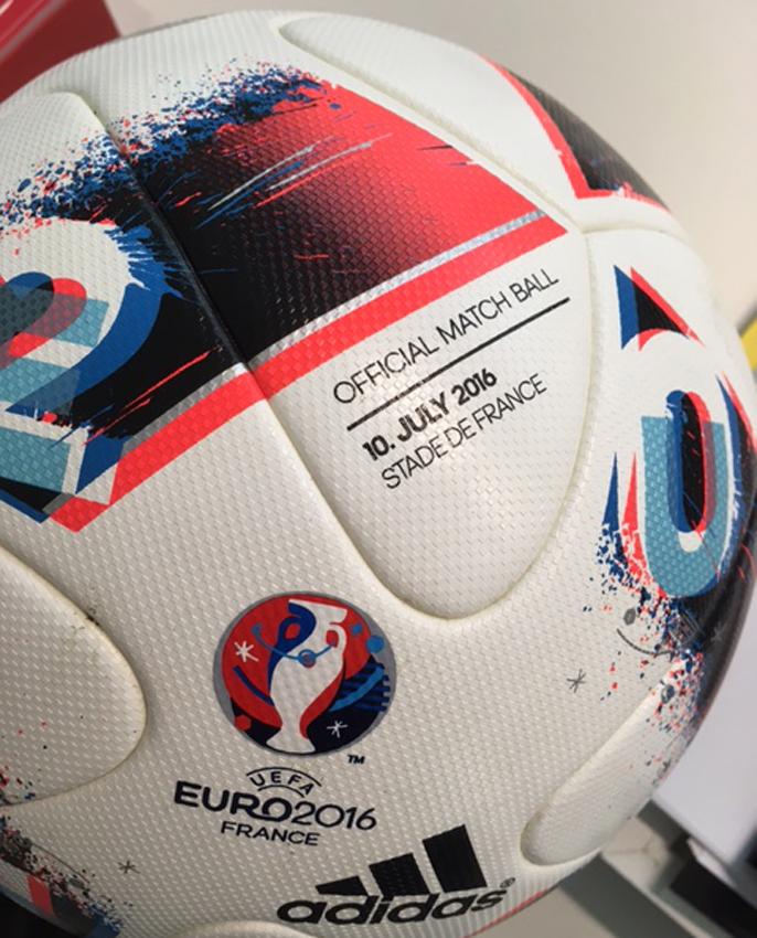 0cf0ed4266ca6 Bola da final do Euro 2016 vai ser leiloada