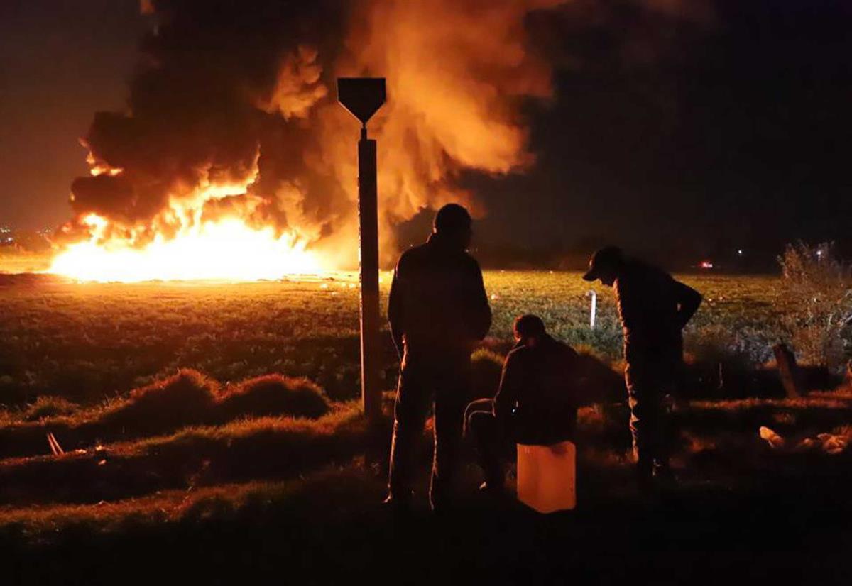 Resultado de imagem para Roubo de combustíveis no México termina com mais de 60 mortos e 70 feridos