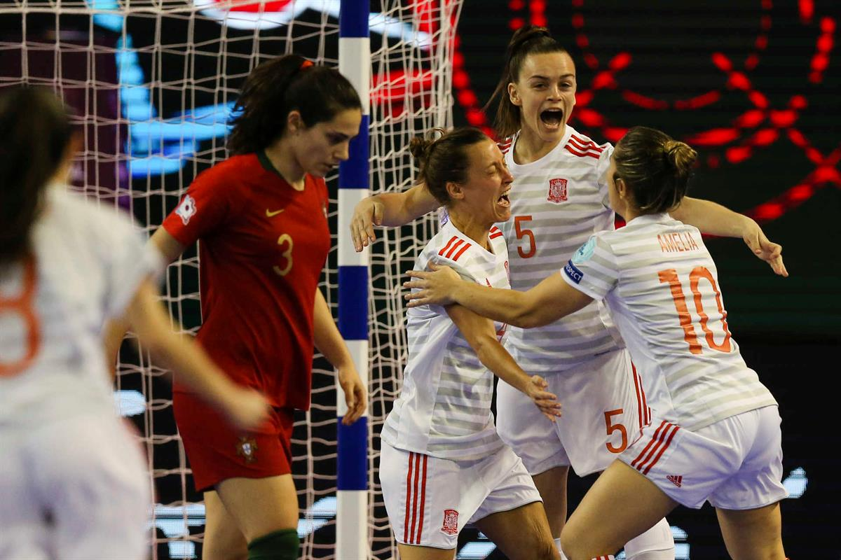 f6933fafd2 Terminou o sonho no Europeu de futsal feminino. Espanha vence e Portugal é  vice-campeão