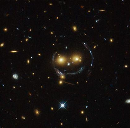 """Telescópio Hubble capta um """"smile"""" no espaço"""
