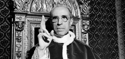 """Bento XVI surpreende ao proclamar Pio XII """"venerável"""""""