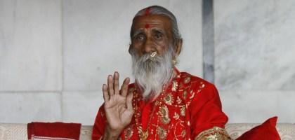 Este homem diz que não come nem bebe há 69 anos
