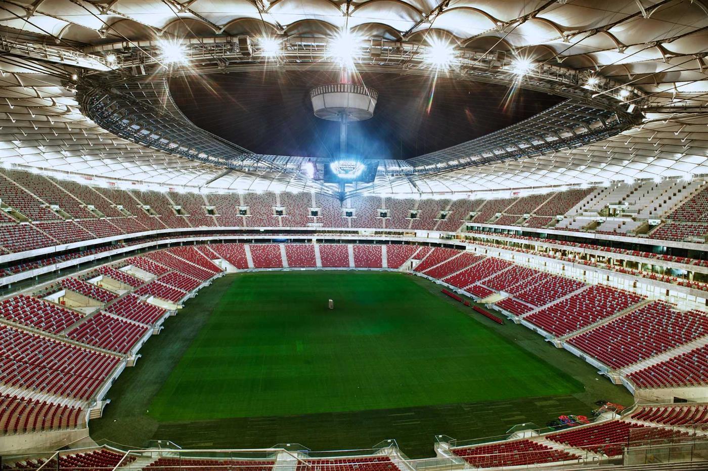 Estádio nacional da Polónia vai ser transformado em hospital temporário -  TSF