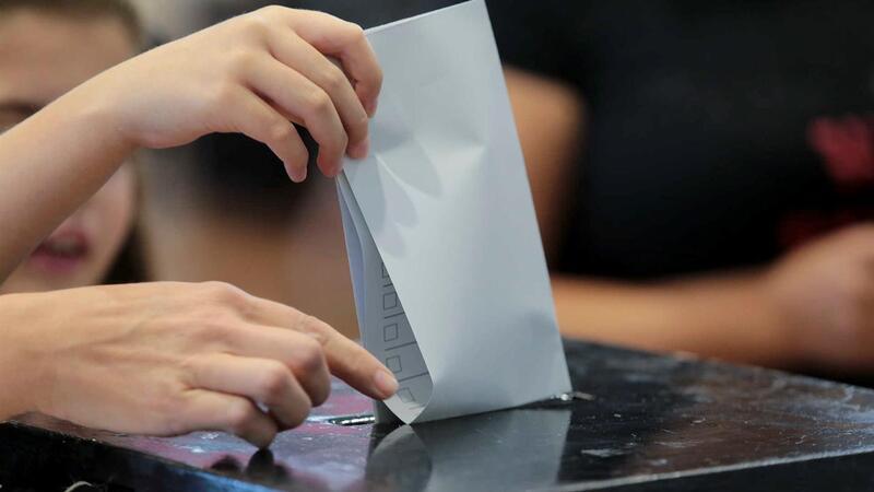 Resultado de imagem para Eleitor perde direito a votar por já terem votado em seu nome