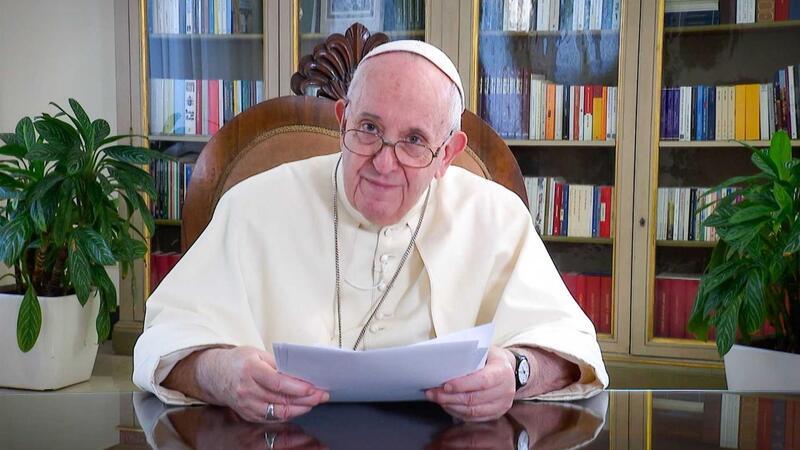 """Papa Francisco avisa que a Terra """"não pode ser espremida como uma laranja"""""""