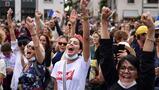 Le lotte per la certificazione sanitaria in molte città francesi raccolgono 237.000