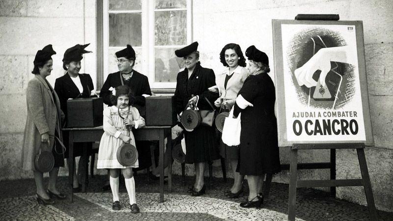 Peditório da Liga Portuguesa Contra o Cancro há 70 anos (01/11/1945)