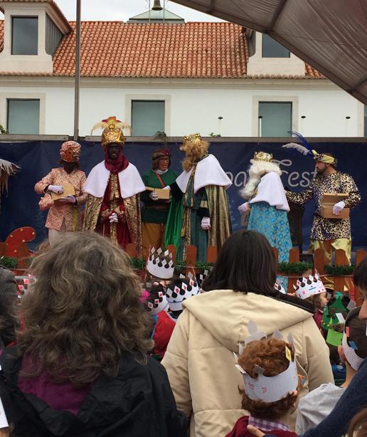 Reis Magos trazem doces para crianças de Vila Real de Santo António